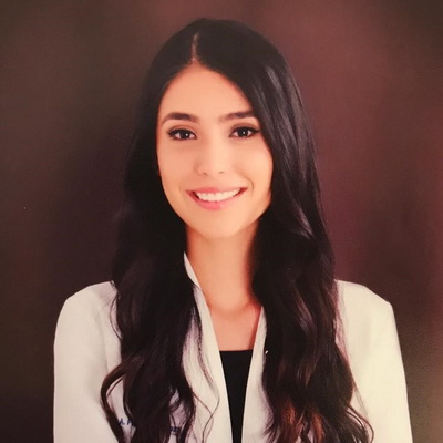 Dr. Eva Flores