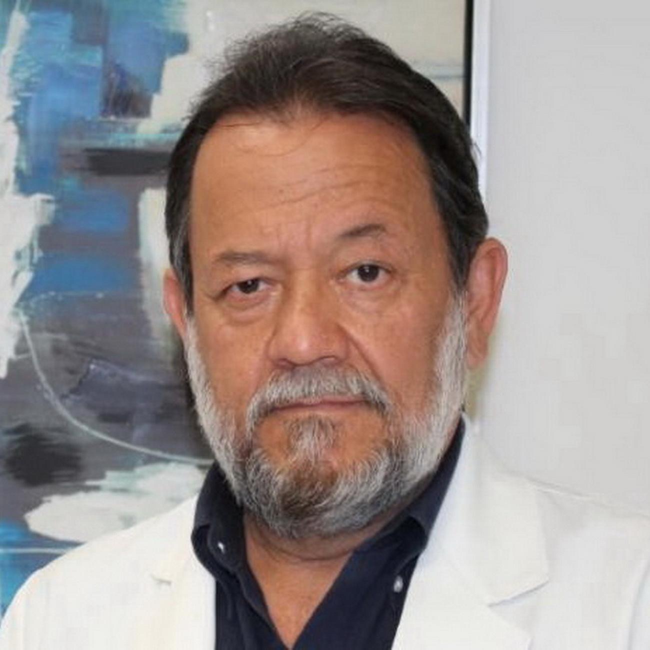 Dr. Carlos Cerda